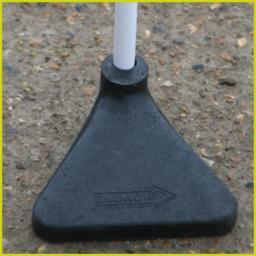 Corner pole base