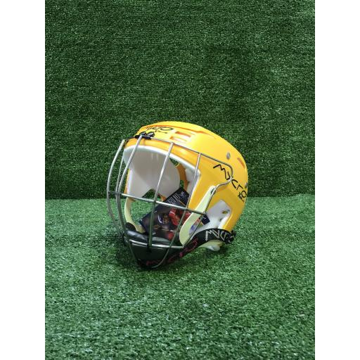 Hurling_helmet_yellow.jpg